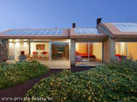 Bioclimatic house in eco-village