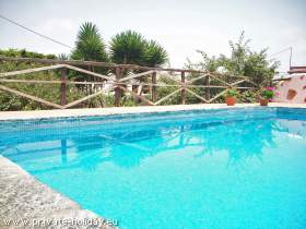 Holiday apartment with pool in Icod